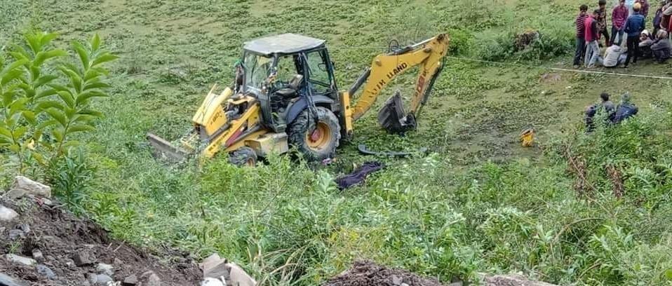 बझाङमा जेसिबी दुर्घटना : एक जनाको मृत्यु, तीन जना गम्भीर घाईते