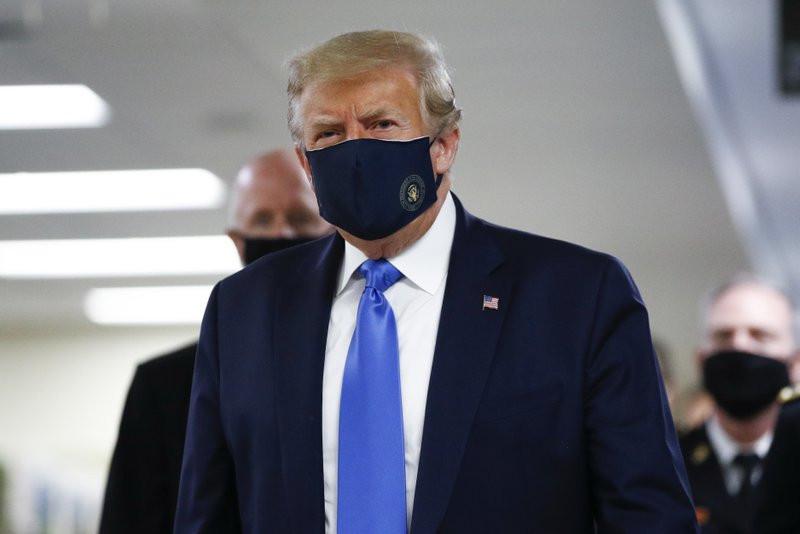 कोरोना संक्रमित राष्ट्रपति ट्रम्पको अवस्था जटिल : शरीरमा घट्यो अक्सिजन