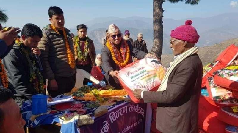 साइन नेपालद्वारा २ दुई सय ७ जनालाई न्यानो कपडा वितरण